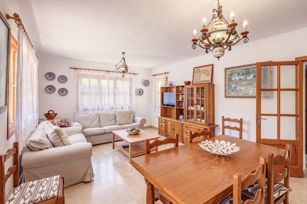 villa isabel living room
