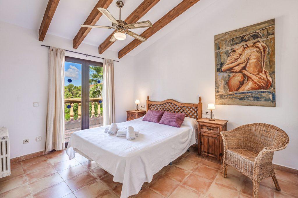 villa karen room